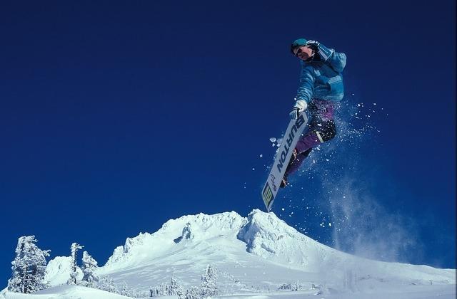 snowboarding-1734841_960_720.jpg